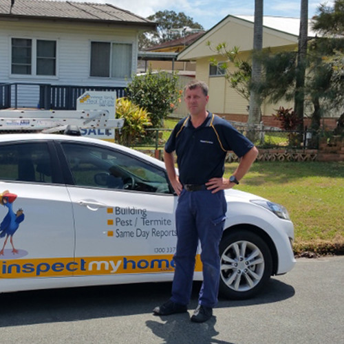 Peter K Sunshine Coast Building and Pest Inspector with vehicle